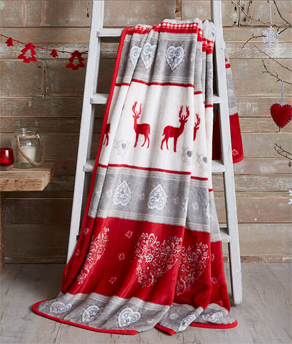 Christmas Homeware | Nordic Throw | By Cotton Traders