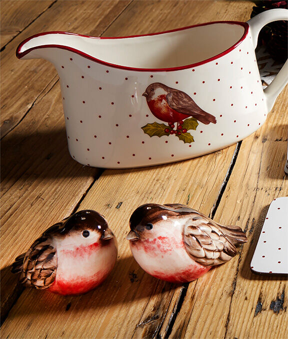 Christmas Homeware | Red Robin Gravy Boat | By Cotton Traders