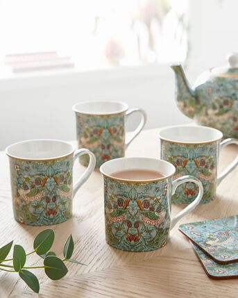 William Morris Strawberry Thief Set of 4 Mugs