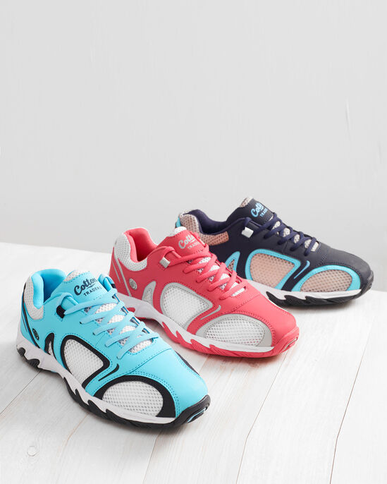 Lightweight Water Trainers