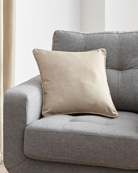 Essence Cushion Cover Pair