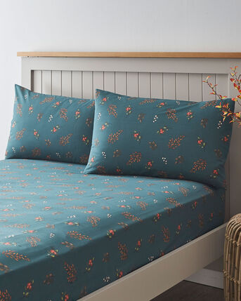 Hawkeswood Fitted Sheet and Pillowcase Set