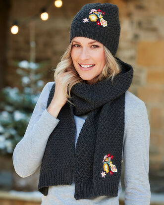 Embroidery Flower Hat and Scarf Set