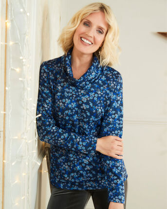 Plush-Soft Floral Print Long Sleeve Jersey Top