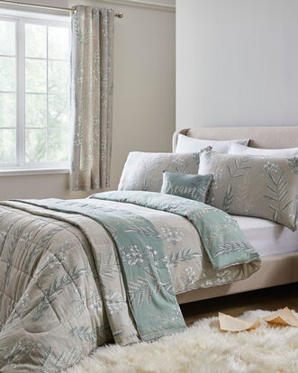 Howarth 200 TC Cotton Bedspread