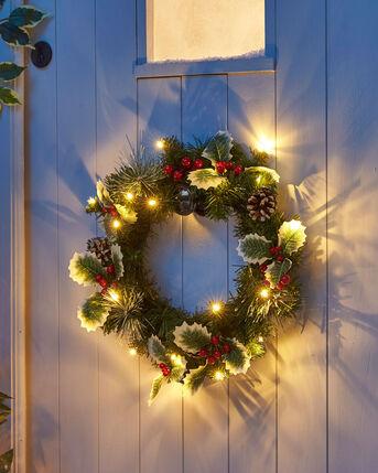 20 LED Light Up Holly Wreath
