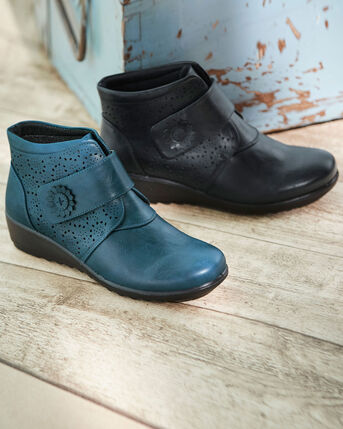 Flexisole Adjustable Strap Boots