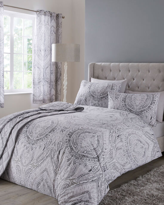 Paisley Bedspread