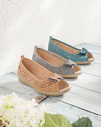 Flexisole Butterfly Trim Shoes